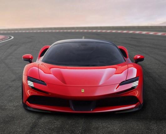 Plug in-power i Ferrari – SF90 får 1.000 hestekræfter!