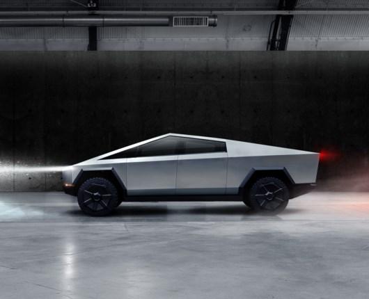 Skudsikker, seks ton på krogen og 800 kilometer rækkevidde – her er Teslas pickup