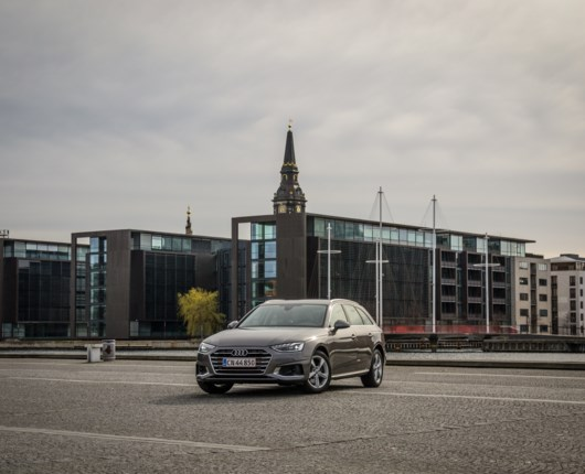 Fifty shades of grey – Audi A4 Avant