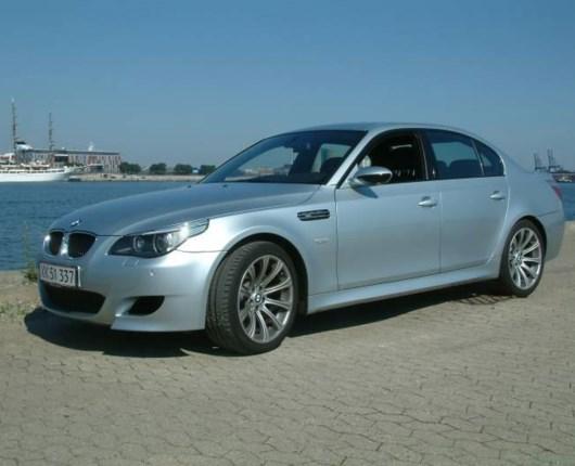 BMW M5 - V10
