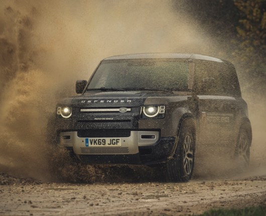 Første test af Land Rover Defender – kan den forsvare titlen?