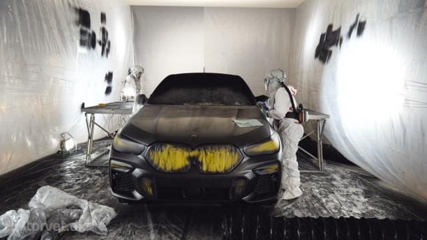 Sortere end sort – BMW X6 med rum-lak er som at stirre i et sort hul