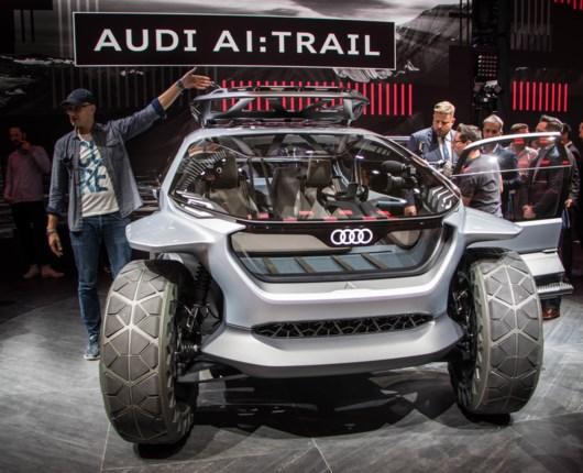 Frankfurt Motorshow – elbilerne skinnede i en halvslukket by