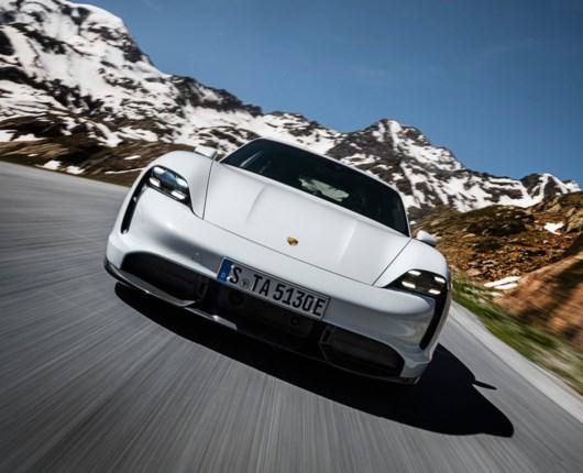 Så er den her endelig – Porsches elbil når 100 på 2,8 sekunder