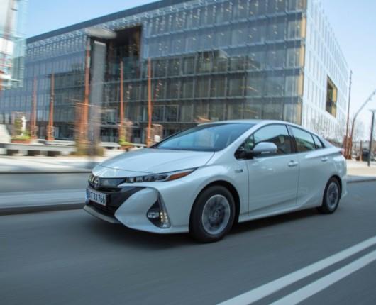 Højteknologisk forsvar – Toyota Prius Plug-in