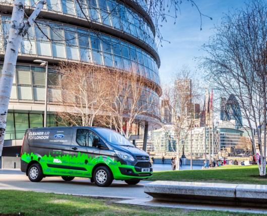 Ford maler London grøn, eller...