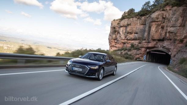 Ny Audi S8 er tyst som et bibliotek – et bibliotek med 571 hestekræfter