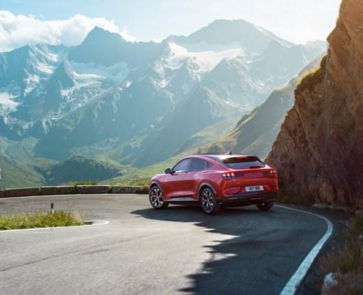 Endelig er Ford med – bygger elektrisk Mustang