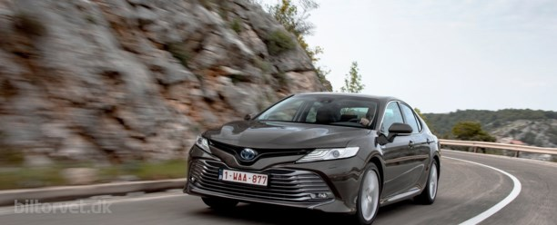 Toyota Camry er tilbage – med rigtig skarpe priser