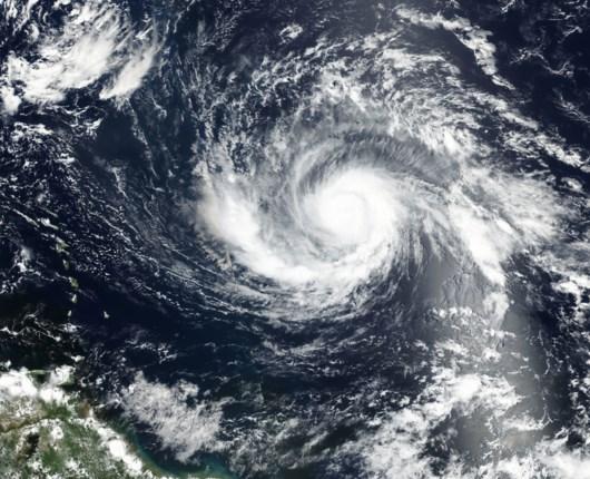 Tesla opgraderer batterier for kunder, der flygter fra orkanen Irma