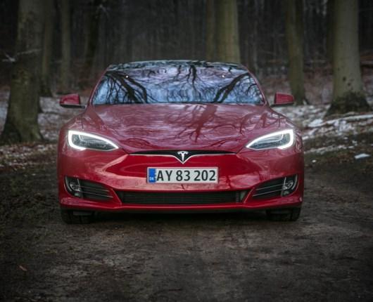 Tesla Model S100D – elektrisk elegance