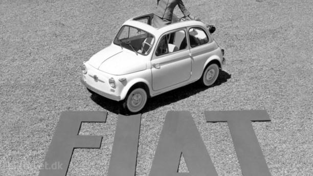 Den RIGTIGE Fiat 500 hyldes for sit design