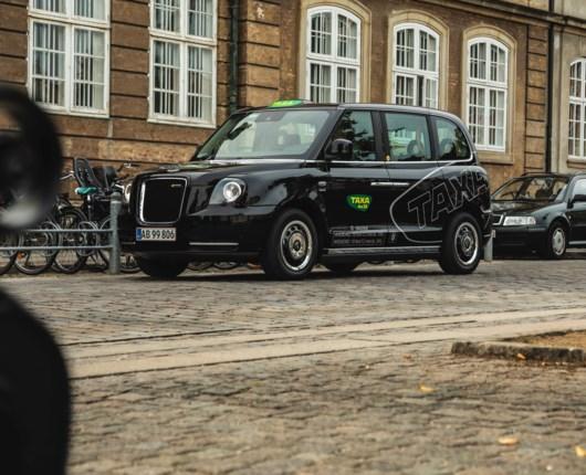 London-taxien er på vej til København – med grønt håb