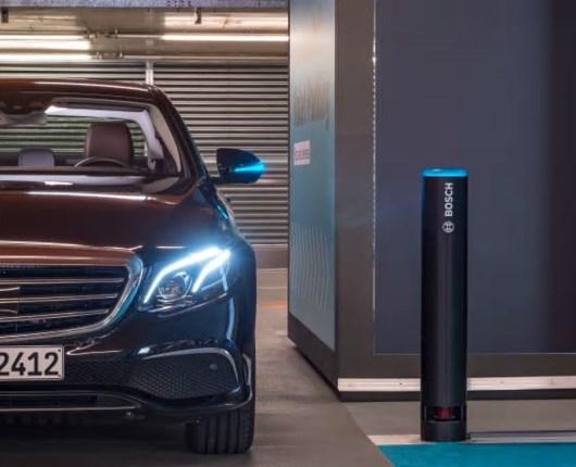 Mercedes og Bosch i samarbejde om selv-parkerende biler
