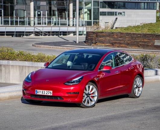 Tusindeårsfalken - Tesla Model 3 er landet