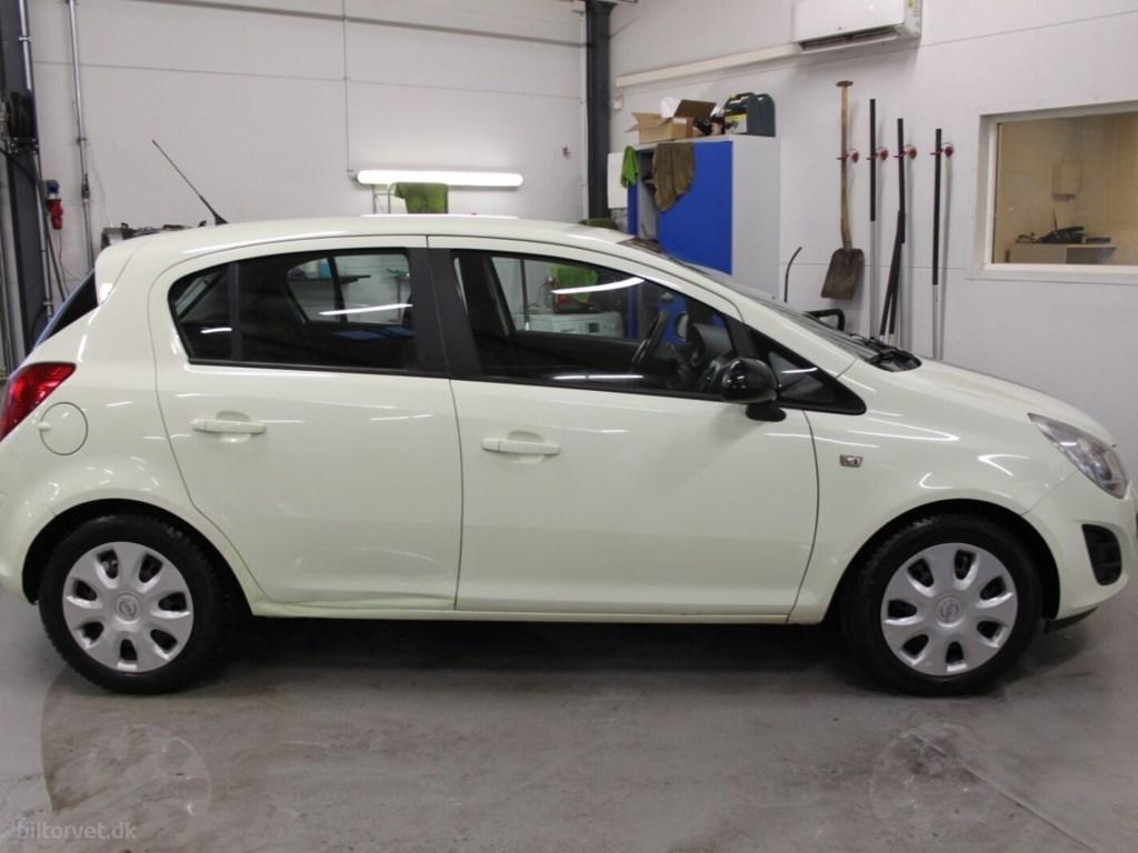 Opel Corsa 1,2 16V Enjoy 2012