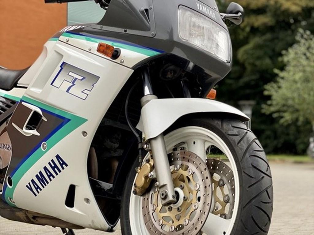 Yamaha FZ750 1994