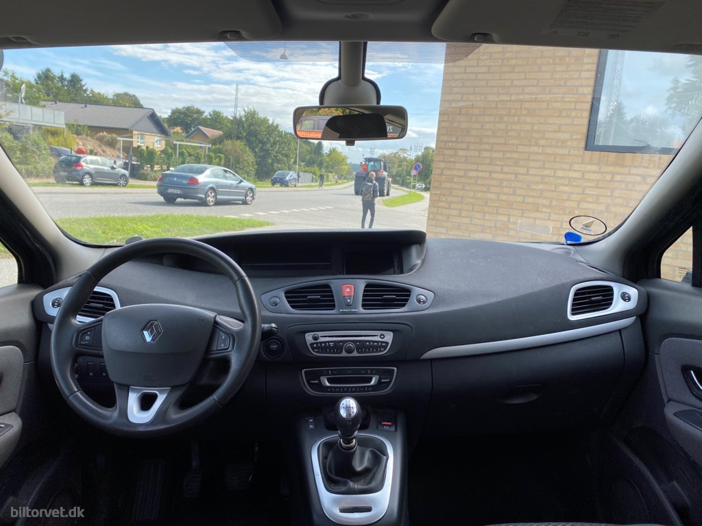 Renault Grand Scénic 1,6 dCi ESM 130 130HK 2011