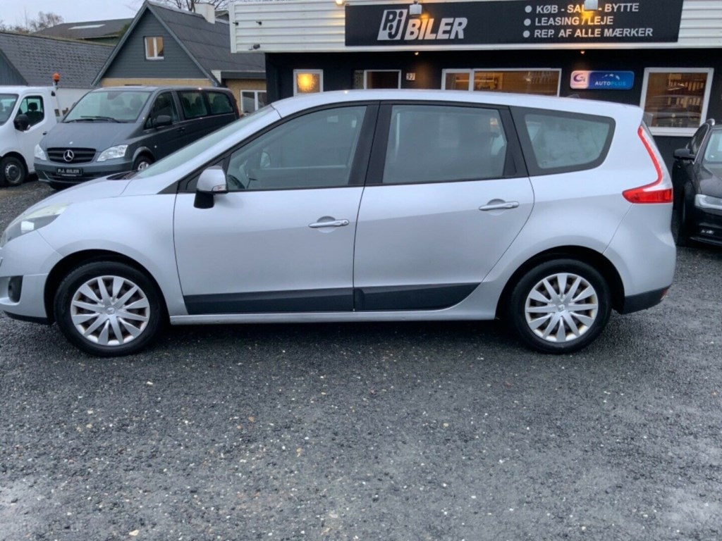 Renault Grand Scenic III 1,9 dCi 130 Expression 7prs 2010