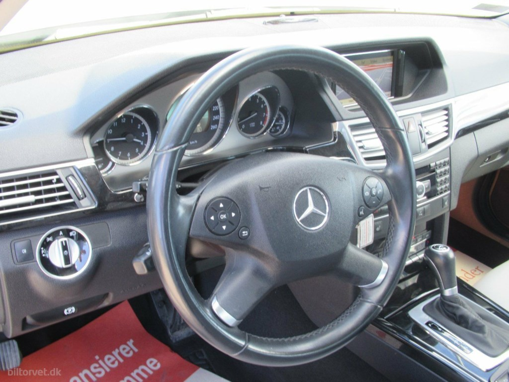 Mercedes-Benz E250 1,8 CGi Avantgarde stc. aut. BE 2010