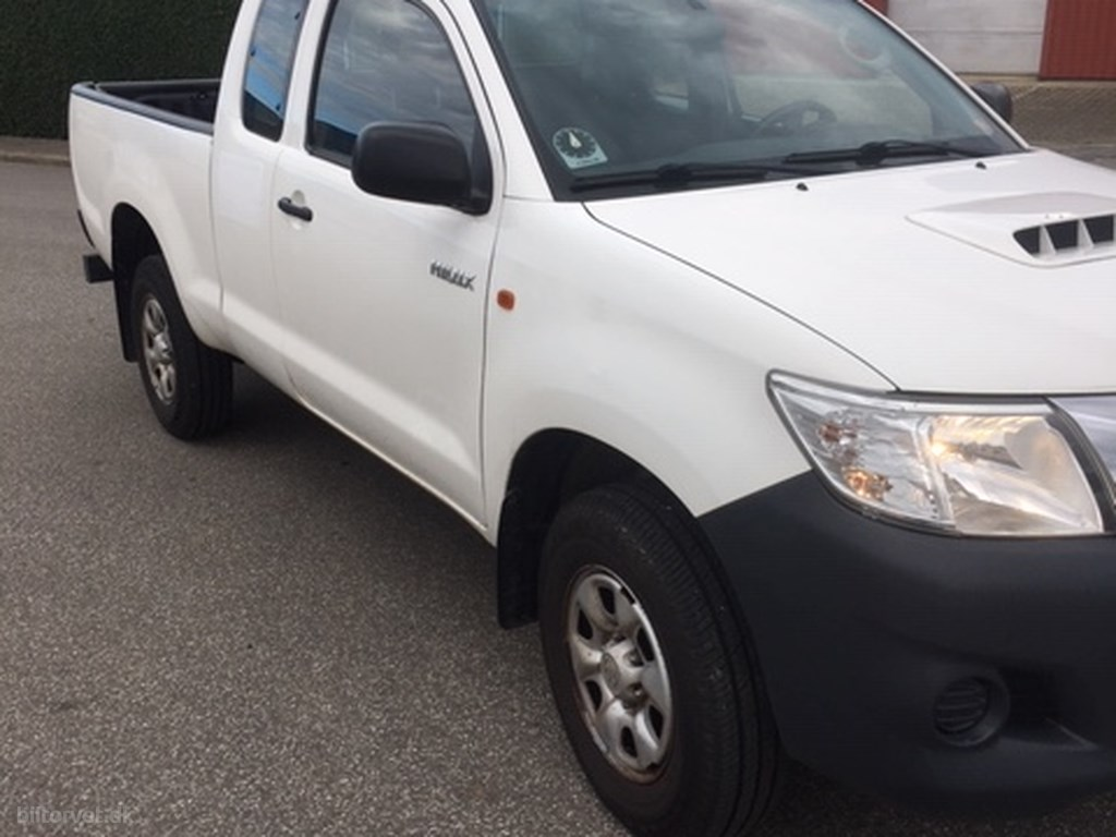 Toyota HiLux Extra Cab 2,5 D-4D T2 a/c 4x4 144HK Pick-Up 2015