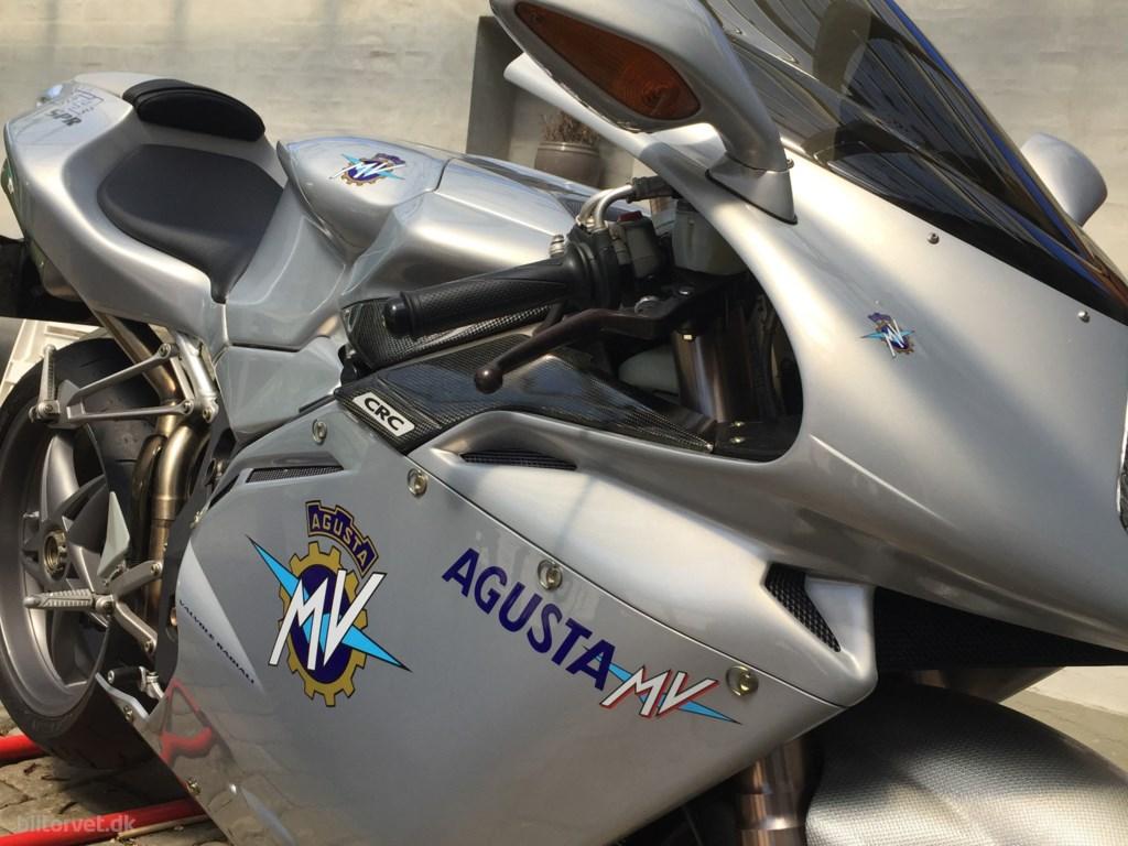 MV Agusta F4 750 2002