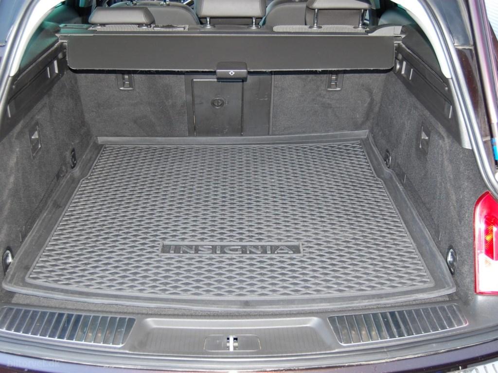 Opel Insignia 2,0 CDTI Cosmo ST 163HK 5d 2012