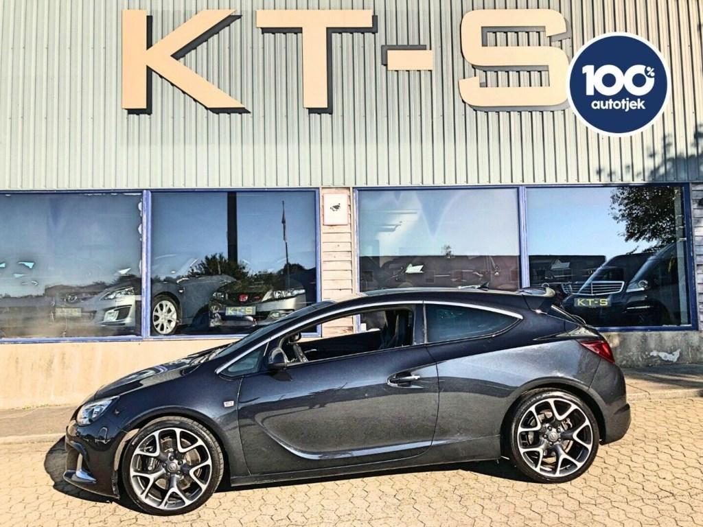 Opel Astra 2,0 OPC GTC 2013