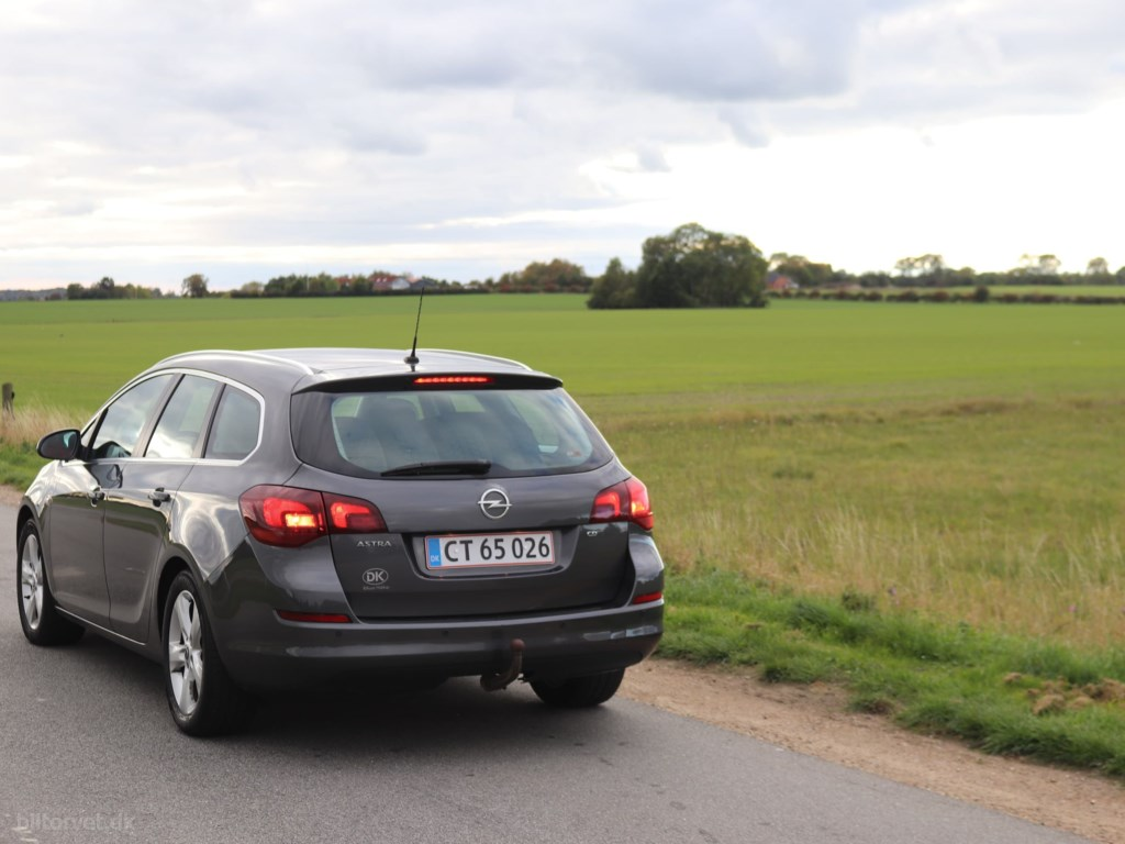 Opel Astra Sports Tourer 1,7 CDTI DPF Sport 125HK Stc 6g 2012