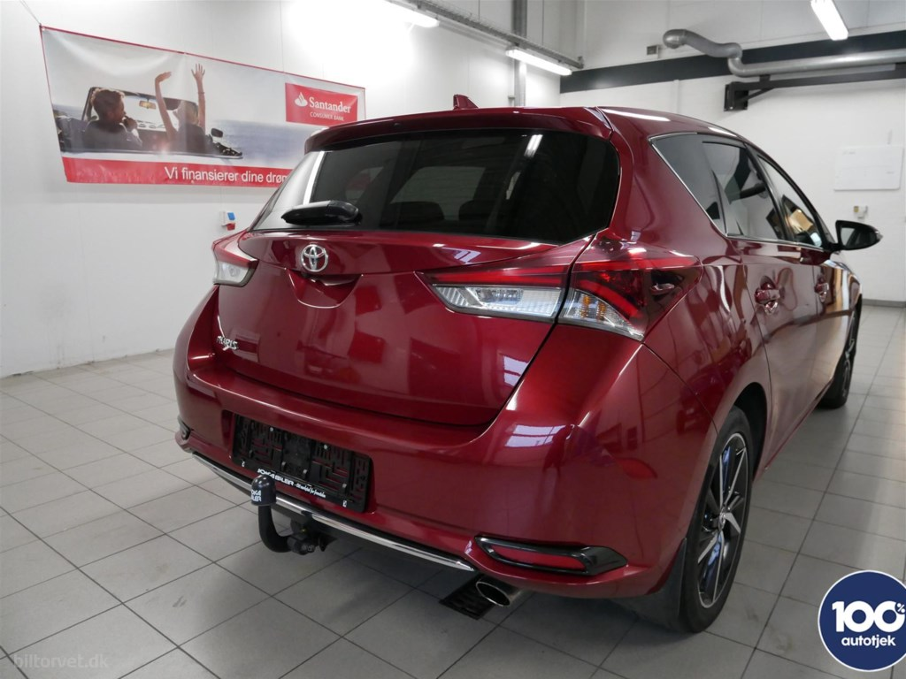 Toyota Auris 1,2 T T2 Comfort Safety Skyview 116HK 5d 6g 2017