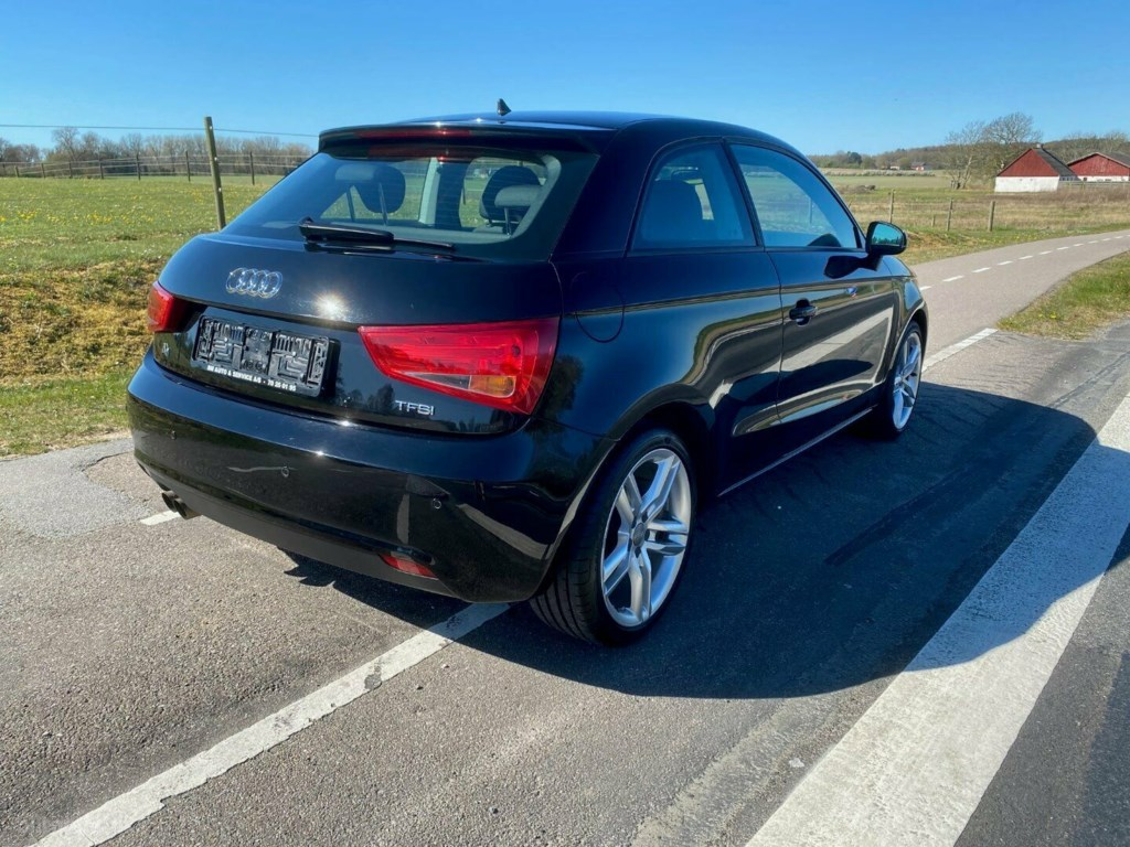 Audi A1 1,4 TFSi 122 Attraction 2011
