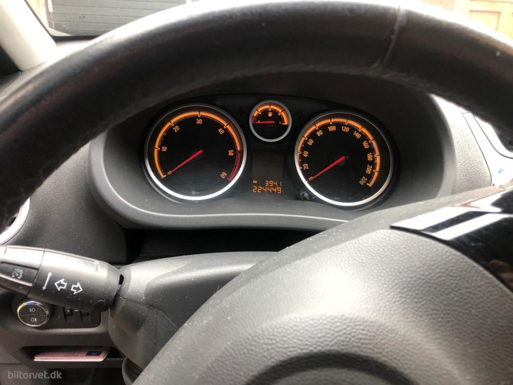 Opel Corsa 1,3 CDTI DPF Edition 111+ 95HK 5d 2010