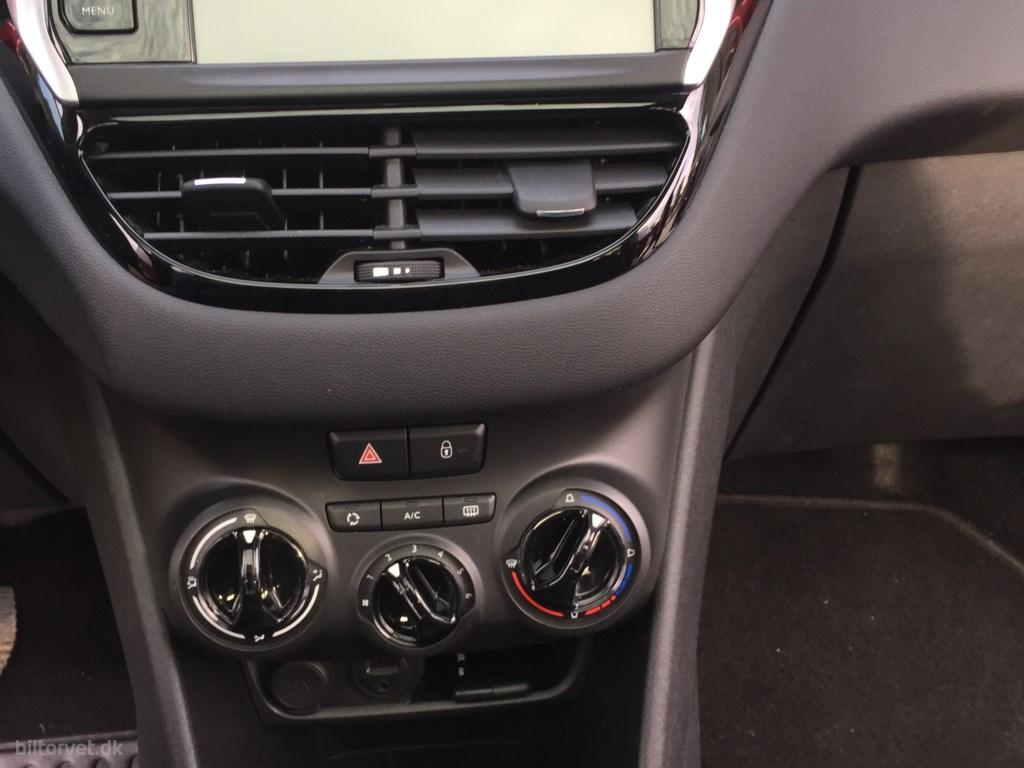 Peugeot 208 1,6 BlueHDi Desire Sky 100HK 5d 2016