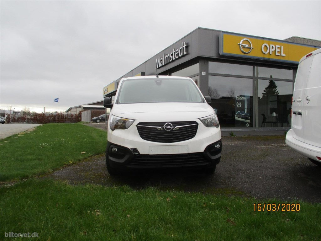 Opel Combo 1.5D 130hk L2 Enjoy AT8 Combo 1.5D 130hk L2 Enjoy AT8 2019