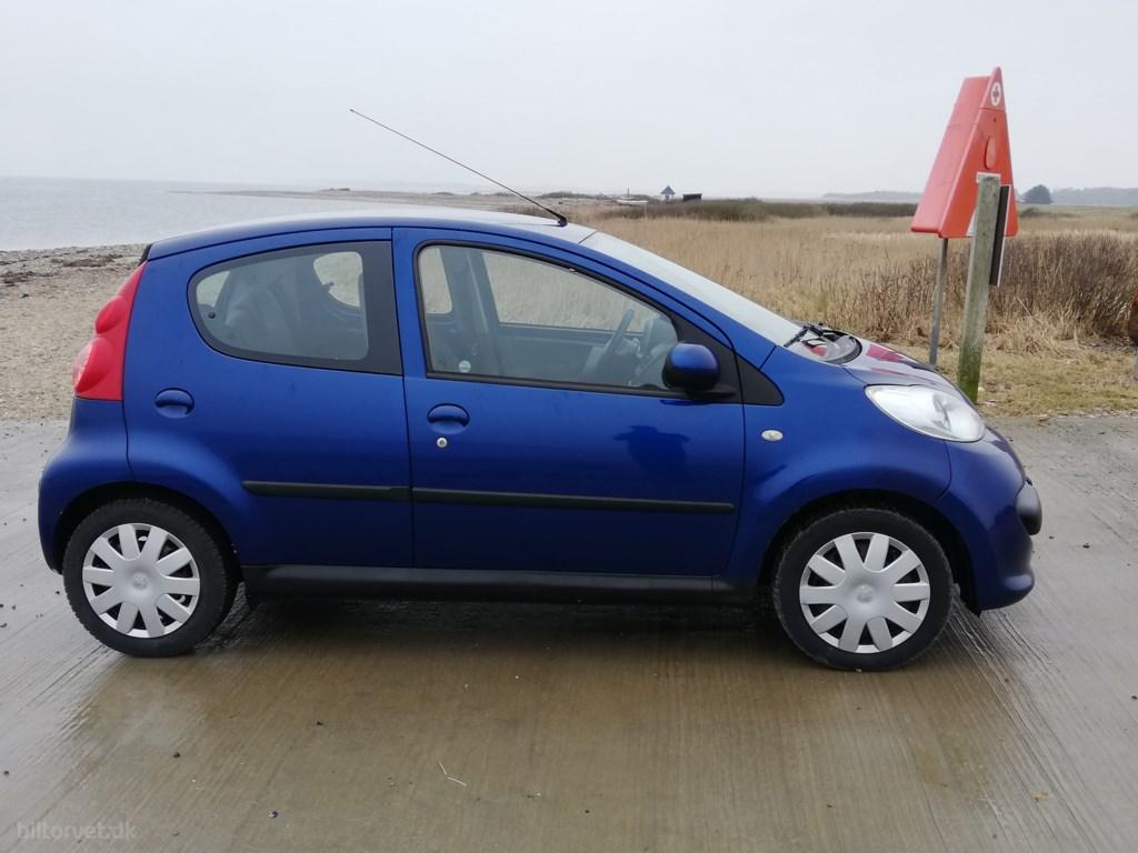 Peugeot 107 1,0 12V Trendy 68HK 5d 2006