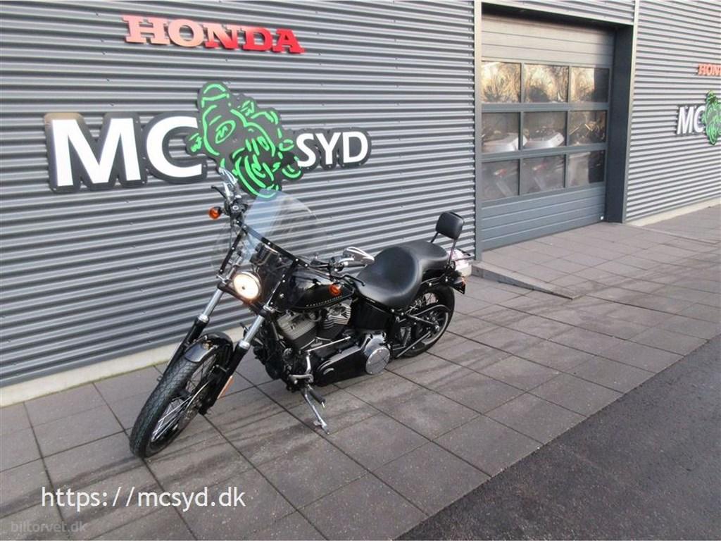 Harley-Davidson FXS Blackline