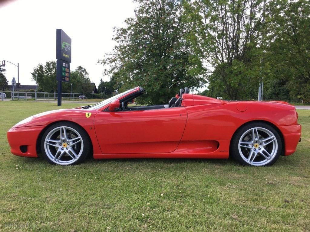 Ferrari 360 3,6 Spider F1 2001