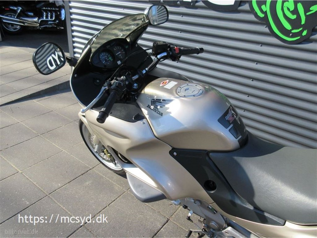Honda NT 650