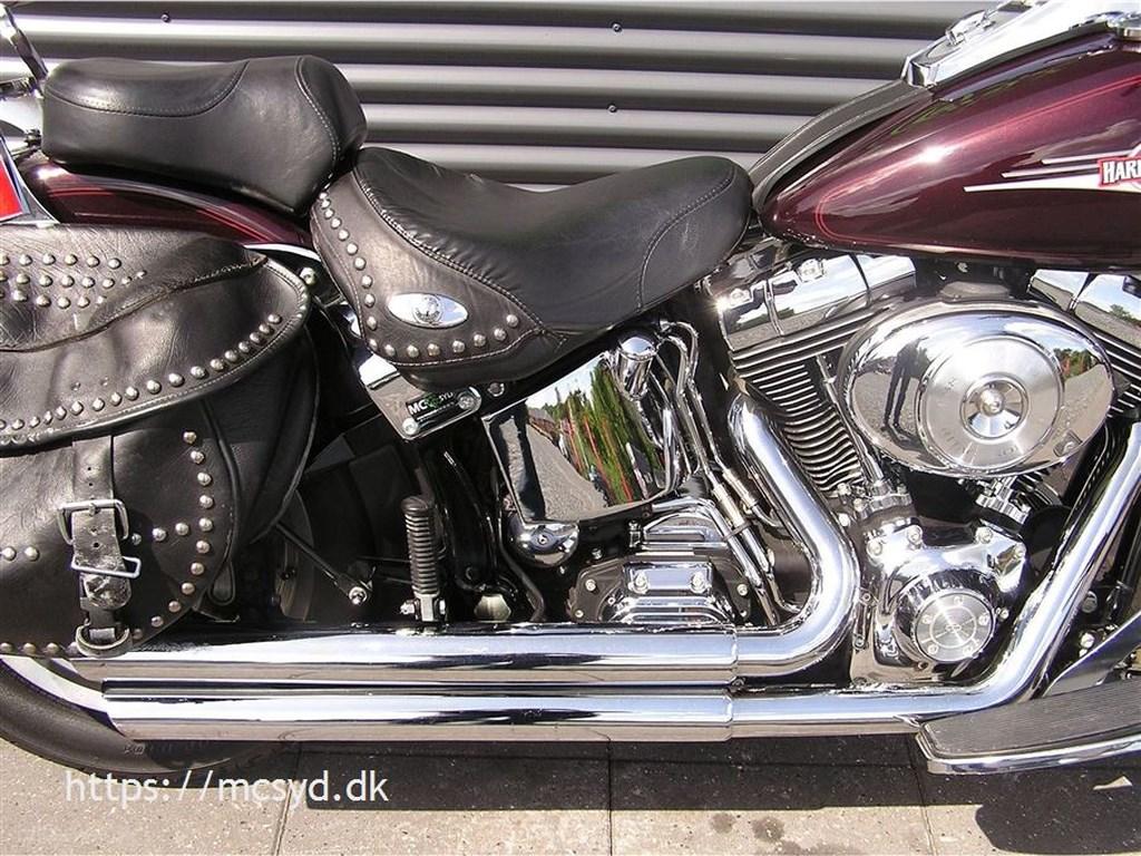 Harley-Davidson FLSTC Heritage Softail Classic Classic Cruiser