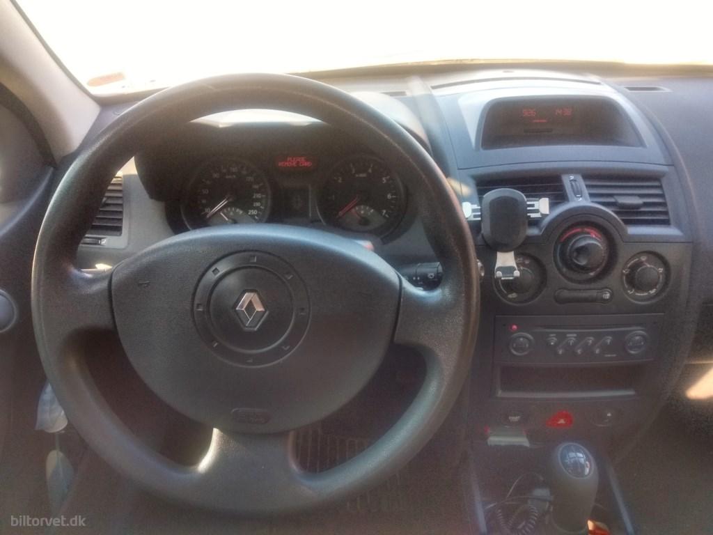 Renault Mégane 1,4 16V Comfort Expression 98HK 2004