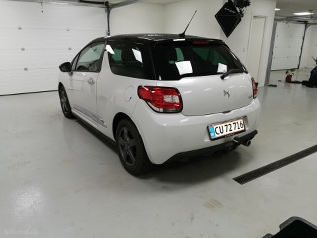 DS DS3 1,6 Blue HDi Style start/stop 100HK 3d 2015