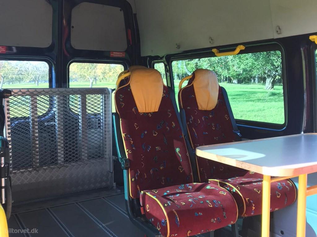 Ford Transit 350 M 2,2 TDCi Ambiente 155HK Van 6g 2013