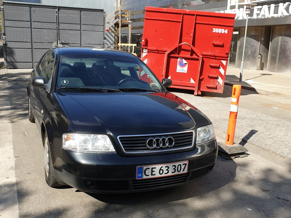 Audi A6 2,4 165HK 1998